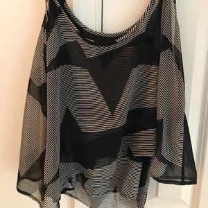 Black & white Volcom tank top